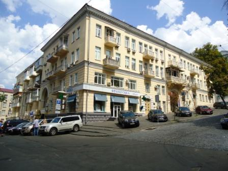 32- TWO ROOM APARTMENT FOR RENT IN KIEV LUTERANSKA STREET
