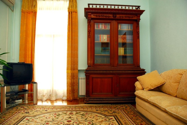 104- TWO ROOM- ONE BEDROOM APARTMENTS FOR RENT IN KIEV LUTERANSKA STREET