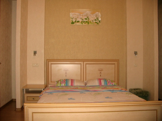 266- ONE ROOM RENT APARTMENT KIEV CENTRE ARENA AREA