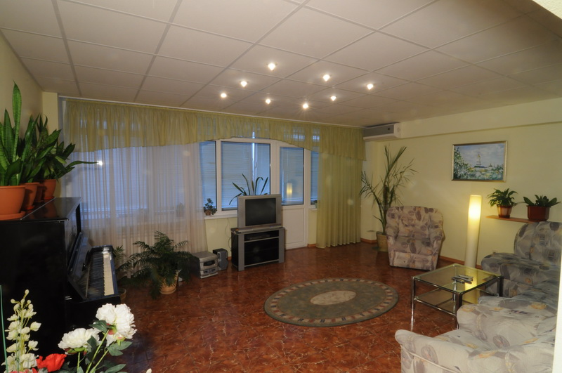 268- FOUR ROOM APARTMENT FOR RENT IN KIEV CENTRE