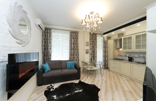 295- RENT TWO BEDROOM LUXURY APARTMENT KIEV CENTRE